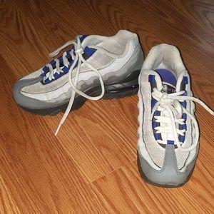 Nike AirMax Sz 4